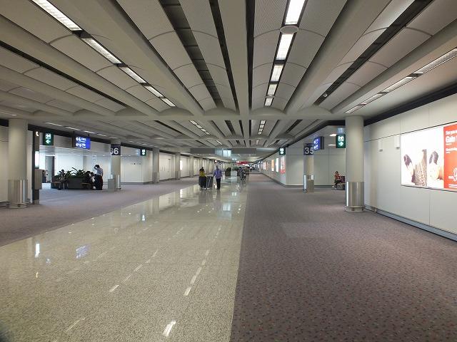 香港国際空港 17
