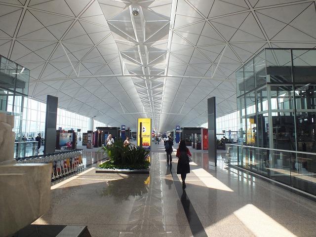 香港国際空港 18