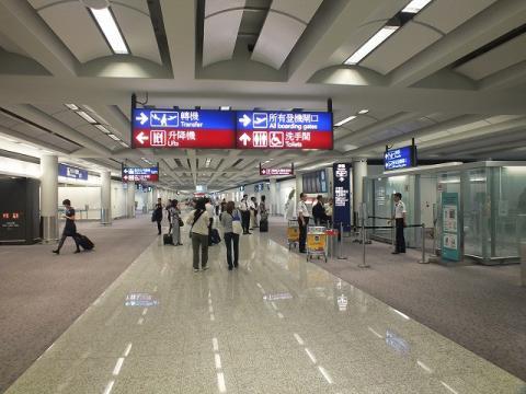 香港国際空港 16
